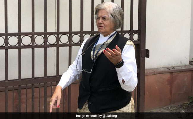 Indira Jaising Objects To Advocate Utsav Bains' Car Entry Into Top Court