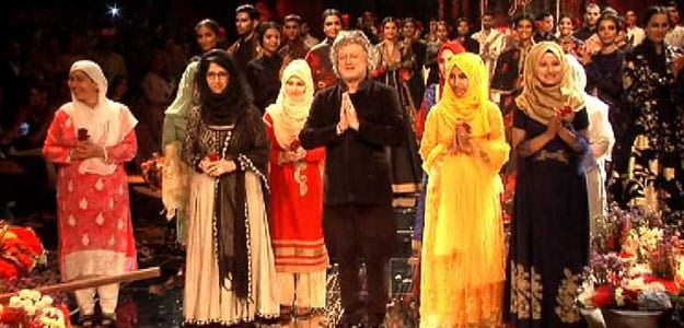 The Women From USHA Silai School Kashmir Make It To The Lakme Fashion Week 2019