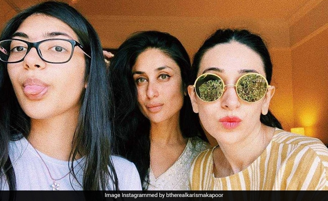 Seen Karisma Kapoor's Selfie With Her 'Favourite' Girls Kareena And Samiera?