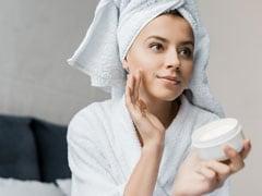 मोबाइल और लैपटॉप भी खराब कर रहे हैं आपका चेहरा, इस क्रीम से बचाएं अपनी त्वचा