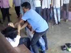 प्रेमी जोड़े की बस स्टॉप पर बेरहमी से पिटाई, वीडियो वायरल होने पर पुलिस हुई सक्रिय