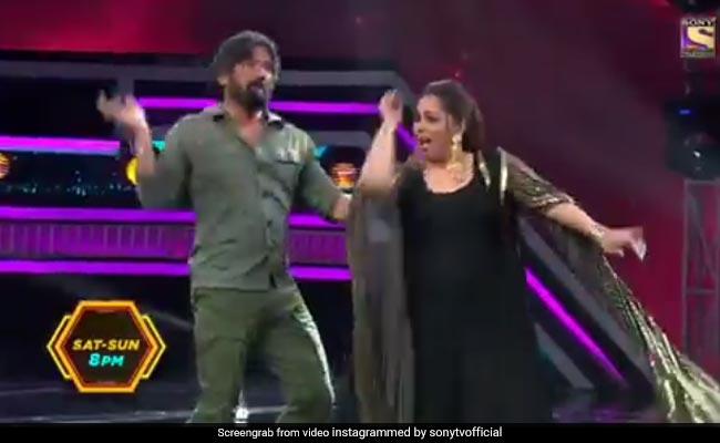 सुनील शेट्टी ने पहले किया डांस से मना, फिर स्टेज पर आए तो मचा दिया तहलका-देखें Video