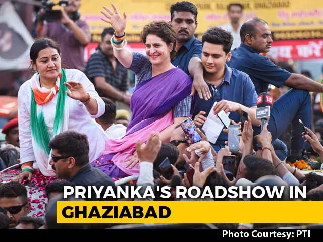 "Video : ""What Has PM Done In 5 Years?"" Priyanka Gandhi's UP Roadshow Blitz"