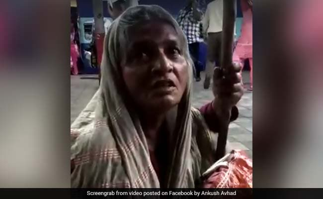 बेटे सरकारी कर्मचारी, लेकिन मां  15 साल से लगा रही घरों में झाड़ू-पोछा, VIDEO में बताया अपना दर्द