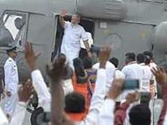Election 2019: PM मोदी के हेलीकॉप्टर की जांच करने वाले IAS अधिकारी के निलंबन पर लगी रोक, जानिये वजह