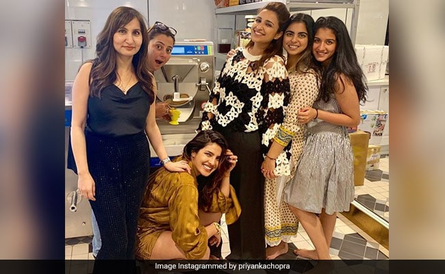 Priyanka Chopra wishes mother Madhu for new venture