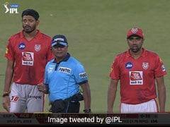 मैच में अचानक गुम हो गई गेंद, ढूंढती रही पूरी टीम, लोग बोले- 'IPL का मजाक बना दिया...' देखें VIDEO