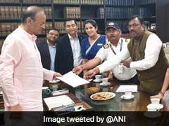 Jet Airways Delegation Meets Arun Jaitley, Seeks Pending Salaries
