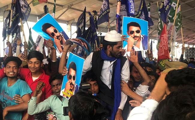 BSP-SP-RLD की संयुक्त रैली में दिखे चंद्रशेखर आजाद के पोस्टर्स, मायावती ने बताया था BJP की B टीम
