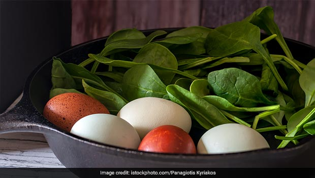 Add Spinach To Your Eggs For A Wholesome Breakfast Meal