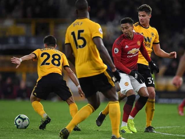 Premier League: Ten-Man Manchester United Crash At Wolves