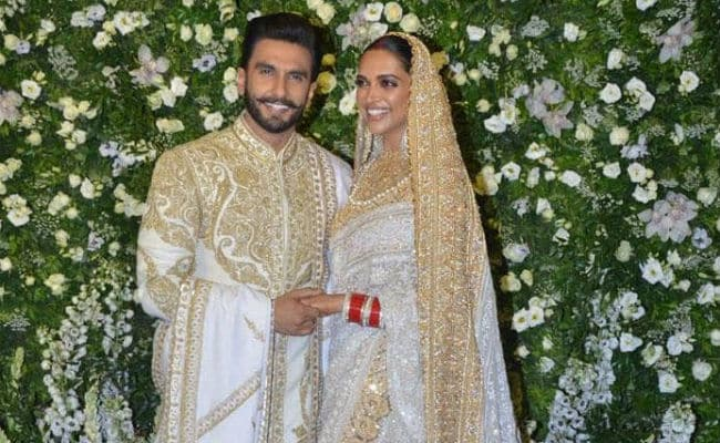 Ranveer Singh's Comment On Deepika Padukone's Pic Sets Off Mush Alert