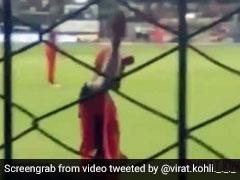 IPL 2019: विराट कोहली ने बाउंड्री पर लोगों से कही ऐसी बात, स्टेडियम में जमकर मचने लगा हंगामा, देखें VIDEO
