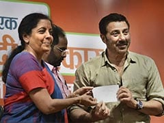 rd2sme8_sunny-deol-joins-bjp-pti-240_240x180_23_April_19.jpg