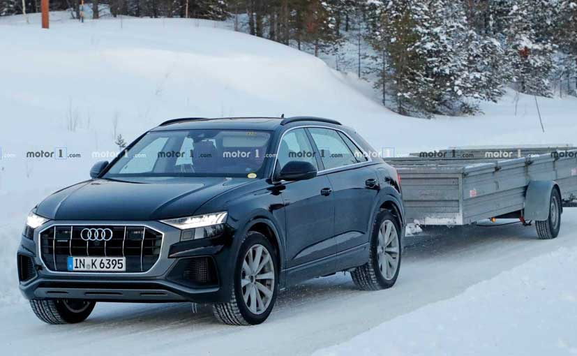 The Audi Q8 plug-in hybrid was spotted testing without camouflage.