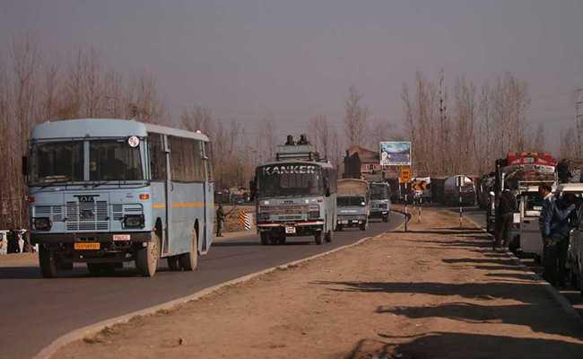 जम्मू- श्रीनगर राजमार्ग पर नागरिक वाहनों पर पाबंदी अब सिर्फ रविवार को, विरोध के बाद सरकार का फैसला