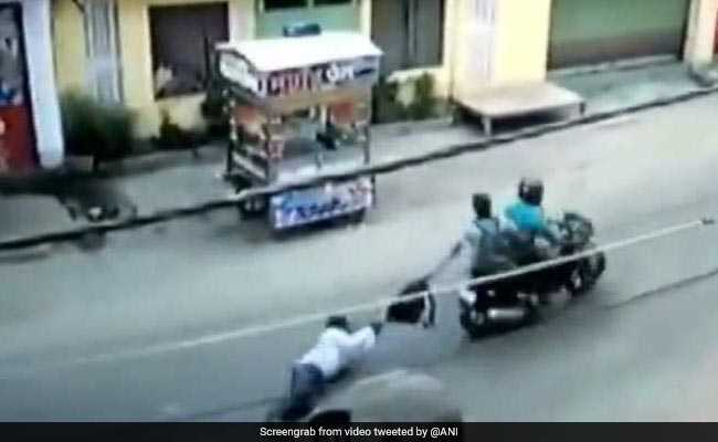 Man Tries To Resist Robbery, Dragged Behind Bike Near Patna. Watch