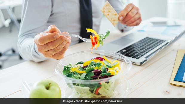 Unable To Avoid Cravings During Office Hours? Follow These 3 Eating Habits