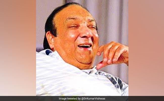 हास्य कवि प्रदीप चौबे का निधन, कुमार विश्वास और कपिल शर्मा ने ऐसे किया याद