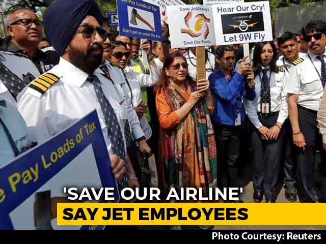 """Video : """"Save Our Family"""": Angry Employees Protest As Jet Airways Grounded"""