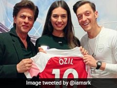 Twitter In Meltdown As Shah Rukh Khan Posts Picture With Arsenal Star Mesut Ozil