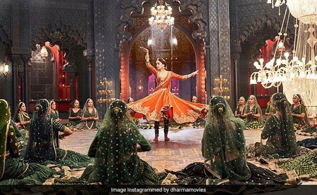 Kalank Song Tabah Ho Gaye: Madhuri Dixit Talks About Teaming Up With Saroj Khan