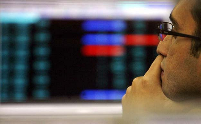 Sensex Slumps Over 400 Points On Global Jitters