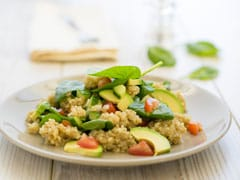 This Low Fat, Protein-Rich Quinoa Salad Fits Perfectly In Any Weight Loss Diet (Recipe Video)