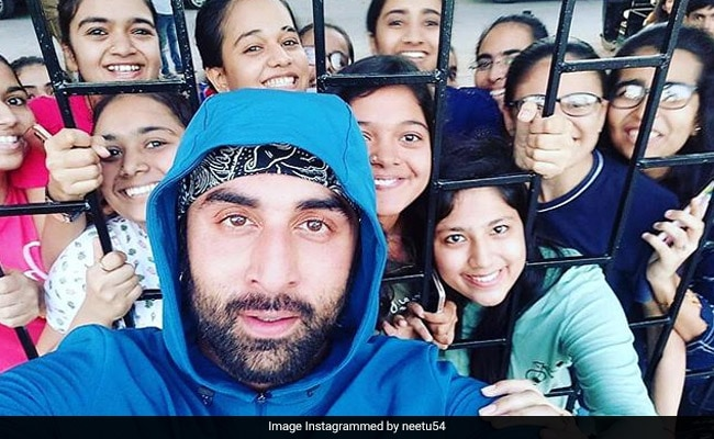 Ranbir's Viral Selfie Reposted By Mom Neetu Kapoor With An 'Interesting' Caption