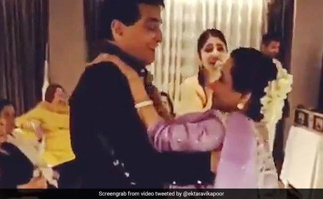 Viral: Jeetendra And Shobha Kapoor's Jawani Janeman Dance On Actor's Birthday