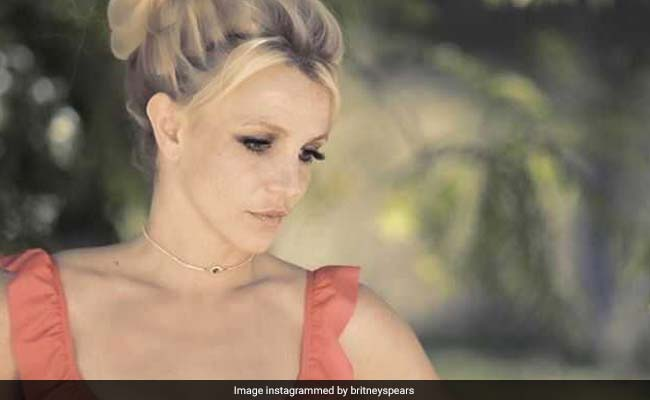 Britney Spears Checks Herself Into Mental Health Facility
