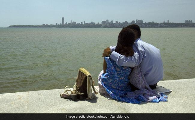 प्यार होने के बाद Inter Caste Marriage करना चाहती थी लड़की, नहीं माने माता-पिता तो...