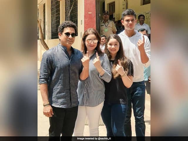 Lok Sabha Elections 2019: Sachin Tendulkars Family, With Two First-Timers, Votes In Mumbai