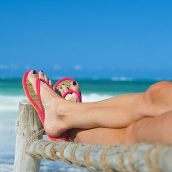 8 Flip Flops That Are The Perfect Beach Companions