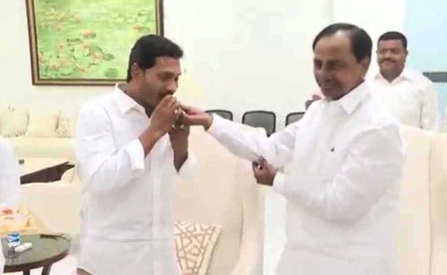 After Win, Jagan Reddy Meets KCR To Discuss Andhra-Telangana Disputes