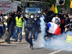 Paris Police Clash With Protesters Ahead Of May Day March