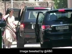 इस्तीफा देने पर अड़े राहुल गांधी को मनाने पहुंची प्रियंका, 4:30 बजे होगी राहुल के घर पर बैठक