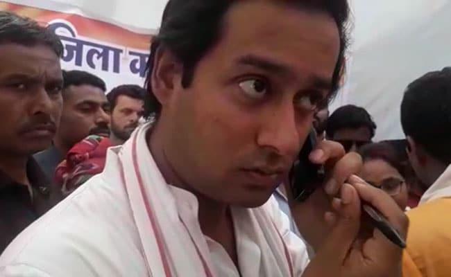लोकसभा चुनाव 2019 : दिग्विजय के मंत्री पुत्र ने किया आचार संहिता का उल्लंघन, वेतन देने के दिए निर्देश