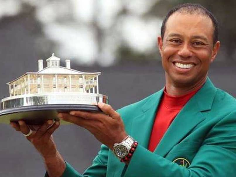 Tiger woods gets the biggest citizen honor of America