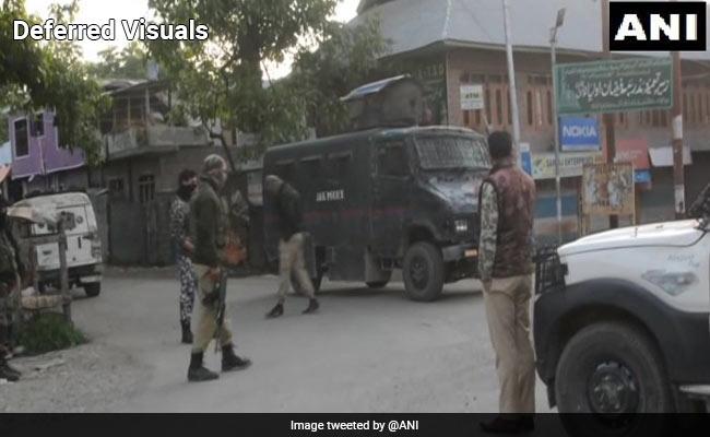 कश्मीर में कॉन्स्टेबल का अपहरण करके भाग रहे दो आतंकी मारे गए