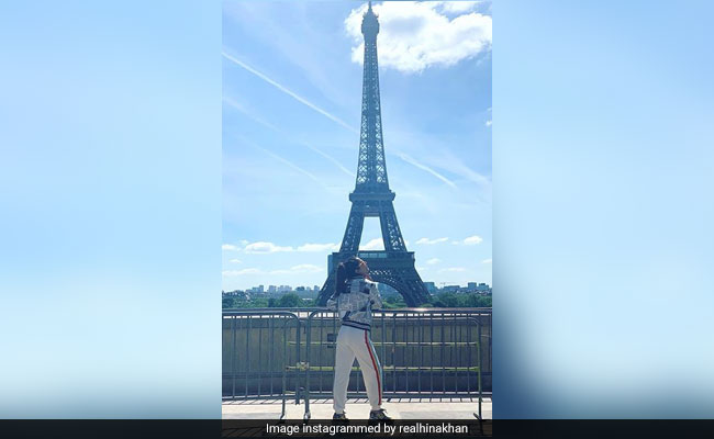 Cannes 2019: Hina Khan 'Restores Energy' At Eiffel Tower In Paris Before Red Carpet Debut