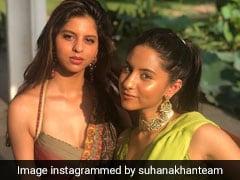 सुहाना खान मेहंदी फंक्शन में साड़ी पहने आईं नजर, Photo हुईं वायरल