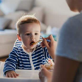7 Baby Foods To Carry When You're Travelling With A Toddler