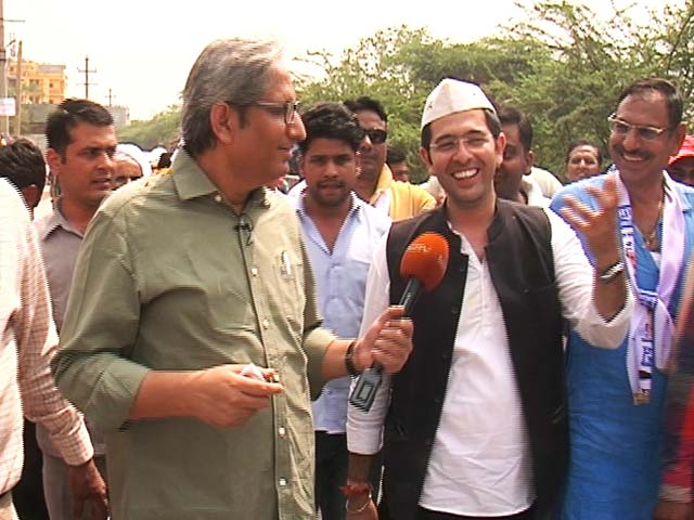 Video : Ravish Kumar's Roadshow With AAP's Raghav Chadha In South Delhi