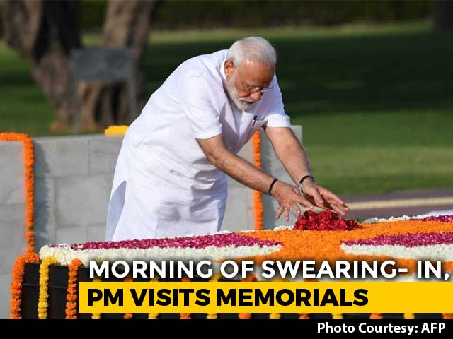 Video : PM Modi Pays Tribute At Gandhi, Vajpayee Memorials Before Oath Ceremony