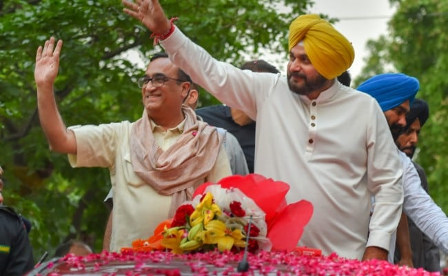 Elections 2019 - 'PM Modi Will Go Down In 2019 With Rafale Taint': Navjot Singh Sidhu