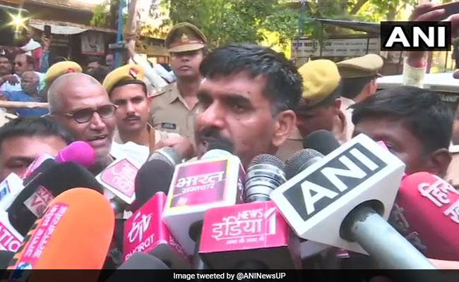 वाराणसी से नामांकन रद्द होने पर BSF के बर्खास्त जवान तेज बहादुर ने खटखटाया SC का दरवाजा