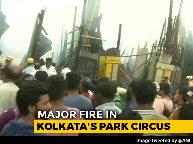 Video : Fire Breaks Out At Kolkata's Park Circus, 12 Fire Engines At The Spot