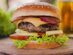 Do You Eat Unhealthy At Work? Beware, It Can Lead To These Lifestyle Diseases