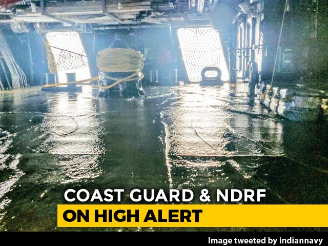 Video : In 3 Pictures, Navy Sums Up Strength Of Cyclone Fani